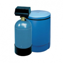 3M HWS050 Warewashing Hot Water Softener System - 5 GPM and 16,000 Grain Capacity